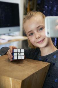 Présentation de l'enceinte bluetooth Rubik's de Bigben