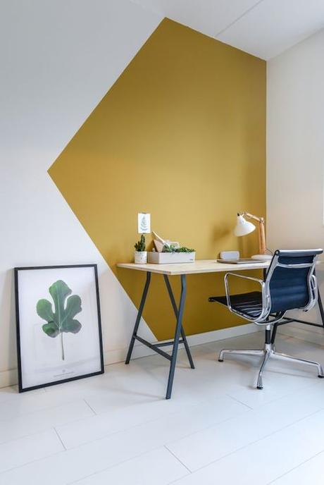 aménager 20m2 peinture jaune couleur mur bois fauteuil studio blog deco design