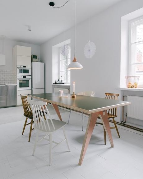 stf table verte bois pied cuivre histoire design polonais - blog déco - Clem Around The Corner