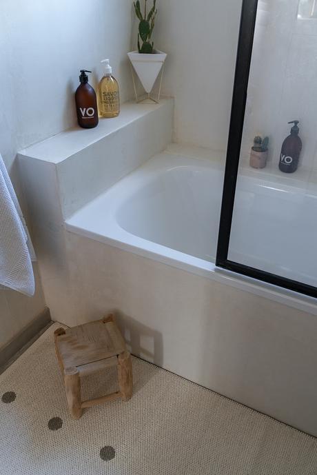 Notre nouvelle salle de bain à la robinetterie noire