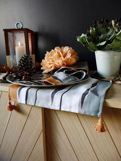 idée déco d'automne à faire soi même lanterne peinture sur bois buffer goûter set de table blog déco clem around the corner