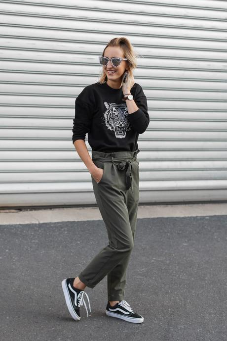 Sweat tigre & pantalon kaki