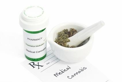 Selon les auteurs, le cannabis pourrait trouver une place permanente dans notre boîte à outils thérapeutiques et traiter les problèmes de santé de manière plus efficace et plus sûre que les traitements pharmaceutiques classiques