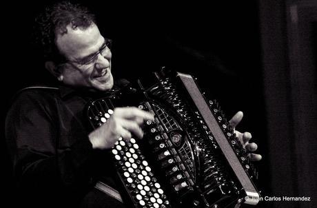 Richard Galliano enflamme le Jazz sur le Vif