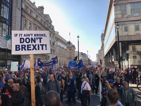 700 000 manifestants demandent un second referendum sur le Brexit