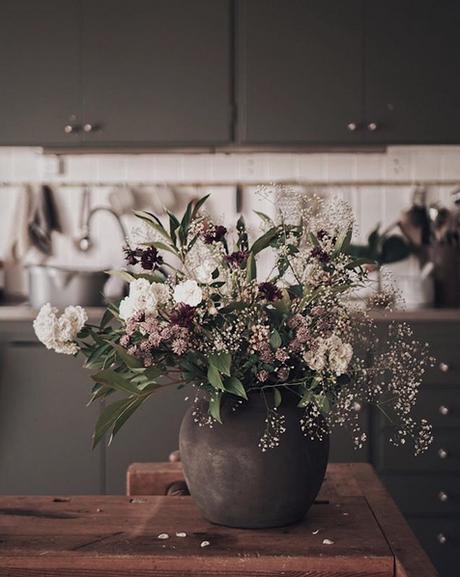 la-maison-boheme-delin-wallin-fleurs-en-vase