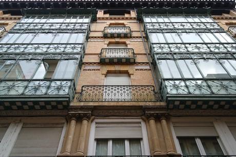 espagne saragosse art nouveau modernisme kiosque calle prudencio
