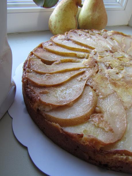 Gâteau renversé aux poires et vanille.