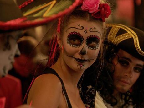 HALLOWEEN : Dia De Los Muertos pour Jessica et Mathias dans «Demain nous appartient»