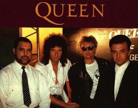 Le célèbre groupe Queen dans toute sa splendeur !