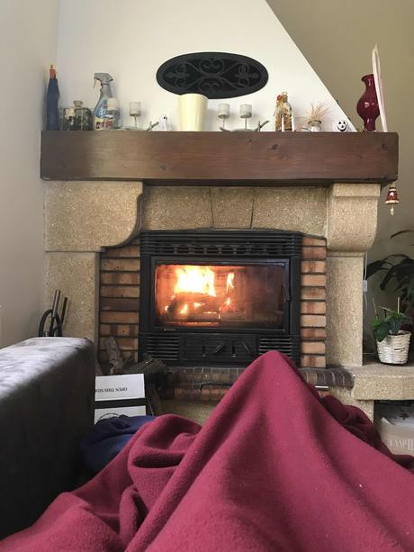 Soir d'automne, cheminée et Black Licorne