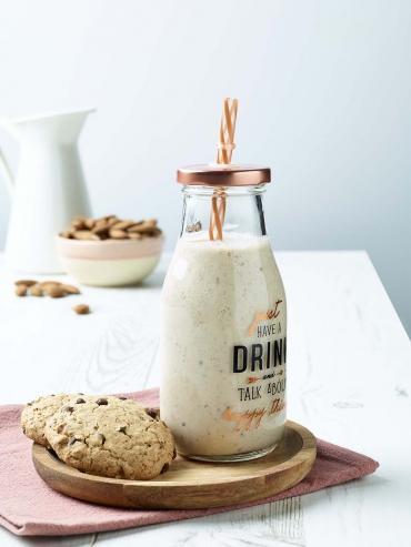 Recette bio : Milkshake bio vegan à la banane et aux cookies Belledonne