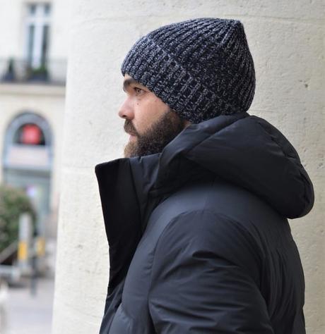 Parka noire, simple, élégante et chaude + sa capuche sobre et chic