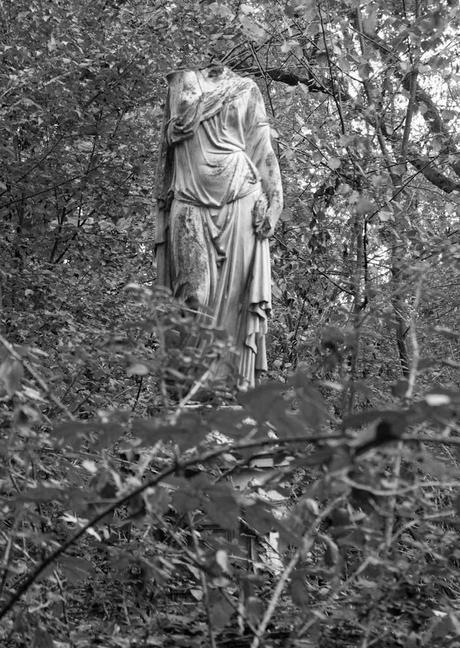 Ici même les statues