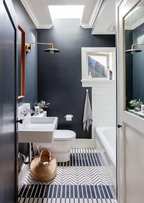 deco graphic mix and match bleu salle de bain wc marin décoration blog