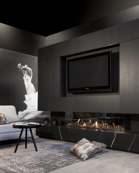 poêle cheminée gaz noir salon marbre avis - blog déco - clemaroundthecorner