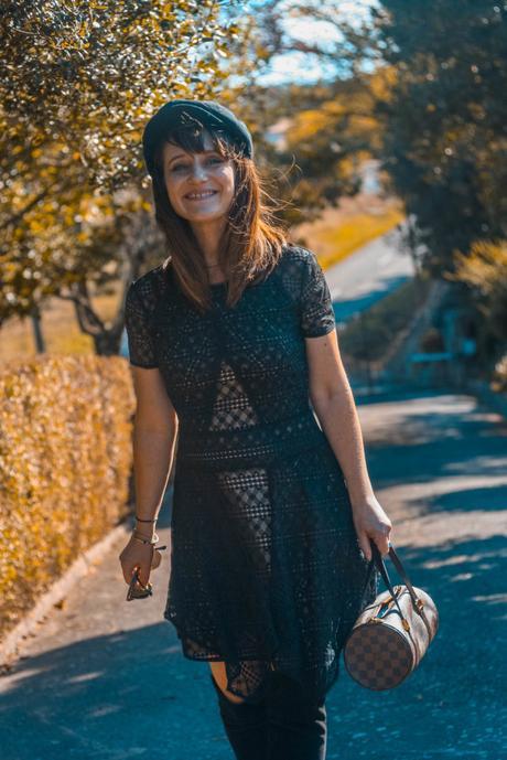 look-robe-noire-cuissardes-casquettes-sac-louisvuitton-papillon-rayban-retro-lifestyle-blog-famille
