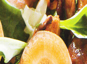 Poêlée coquillages, girolles feuilles d'huîtres