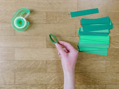 bricolage de noel etape 9 papier carton scotch