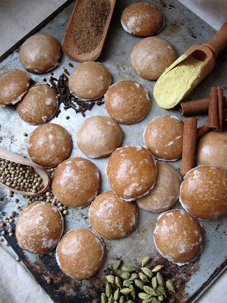 Sablés aux fruits secs & au caramel au beurre salé pour la Saint-Nicolas
