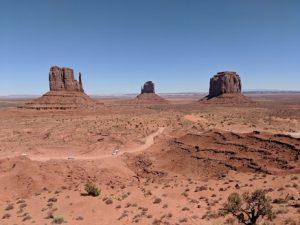 Découverte de Monument Valley en voiture.