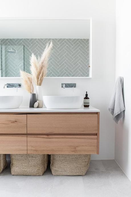 salle de bain theme nature épurée plumeau bleue - Blog déco - Clem around the corner