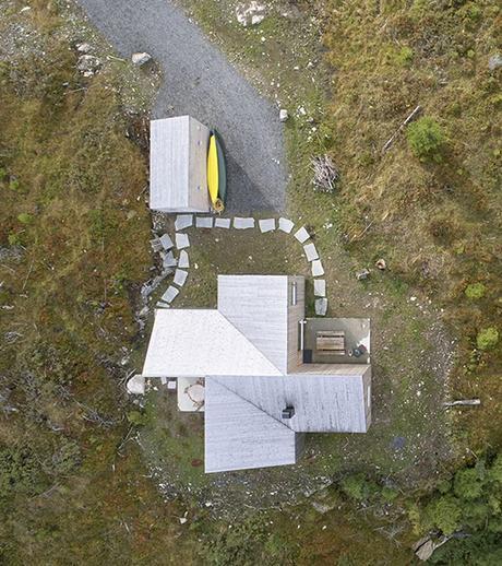 chalet design en norvège vue de haut toit soleil blog déco clem around the corner