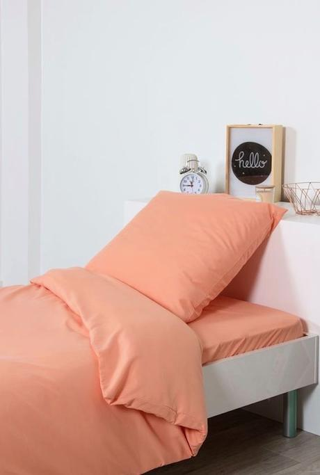 couleur de l'année pantone 2019 living coral linge de lit une place chambre enfant blog déco clem around the corner