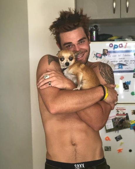 SEXY : KJ APA with his tiny son