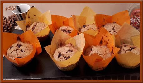 Muffins aux flocons d'avoine, sirop d'Erable et chocolat.