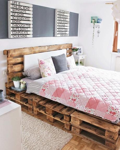comment faire un lit en palette diy et inspirations. Black Bedroom Furniture Sets. Home Design Ideas