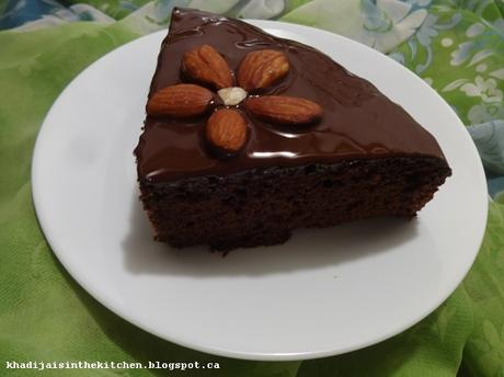 GÂTEAU AU CHOCOLAT / CHOCOLATE CAKE / BIZCOCHO DE CHOCOLATE / كيك الشوكولاتة