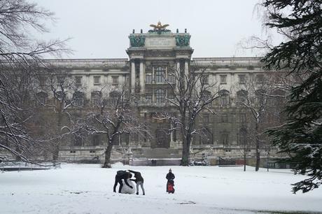 vienne neige hiver burggarten neue burg