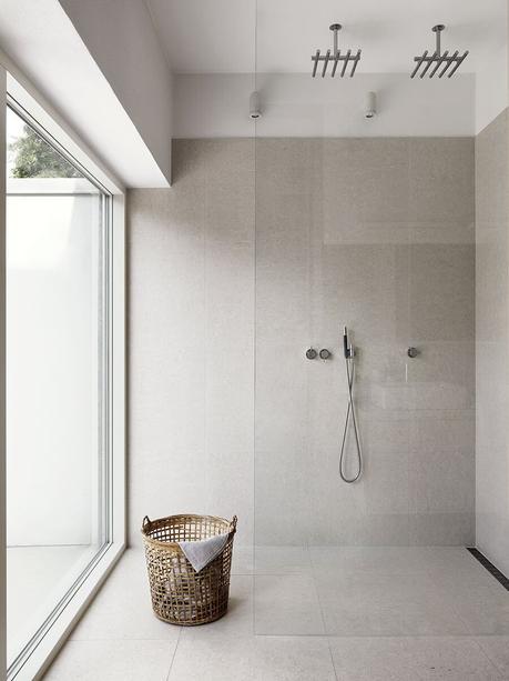 Idées déco pour une ambiance scandinave très chic dans la salle de bain sur @decocrush - www.decocrush.fr