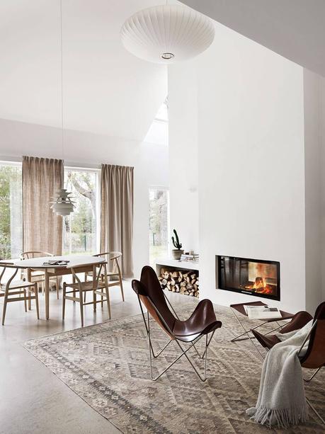 Idées déco pour une ambiance scandinave très chic dans le salon sur @decocrush - www.decocrush.fr