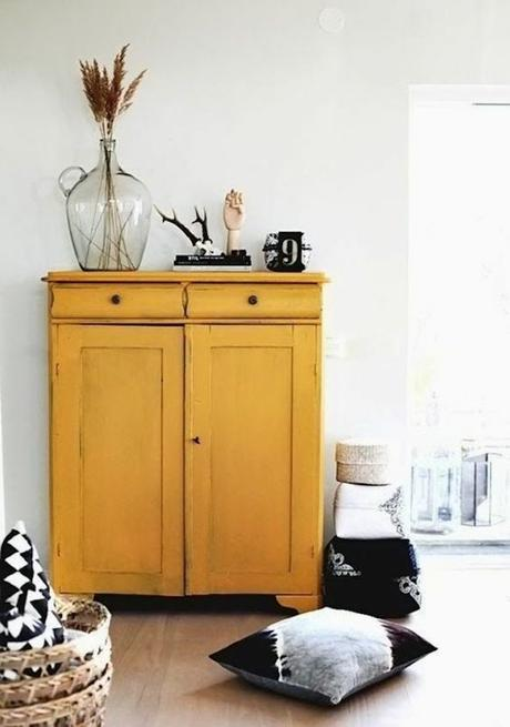 déco couleur jaune moutarde meuble bois peinture salon blog déco clem around the corner