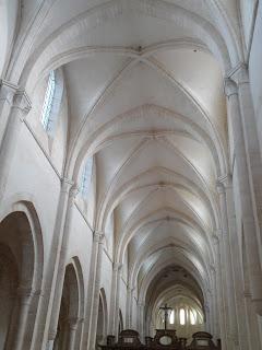 L'église abbatiale de Pontigny (Yonne)