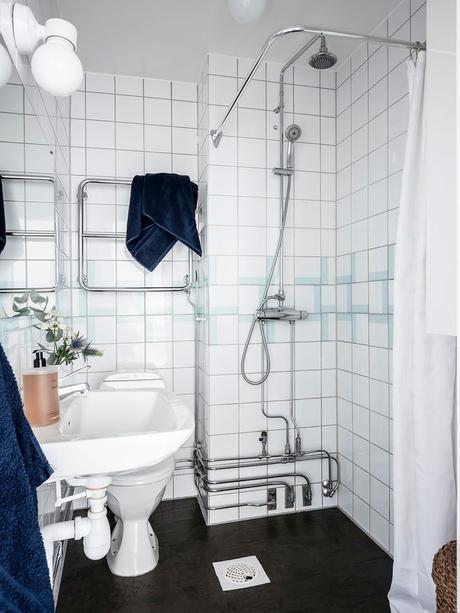déco en noir et blanc carrelage wc lavabo blog déco clem around the corner