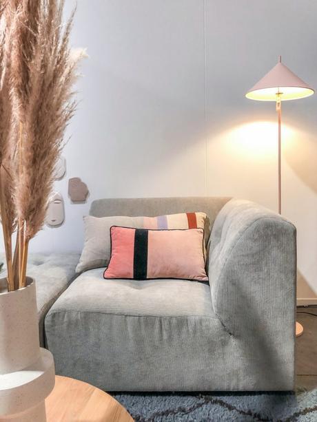 maison et objet janvier 2019 canapé velours gris côtelé arts - blog déco - clem around the corner