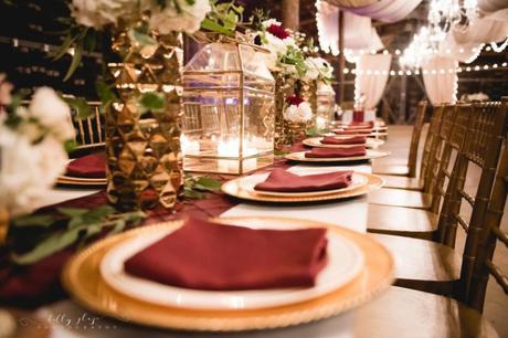 Thème de mariage bordeaux et doré