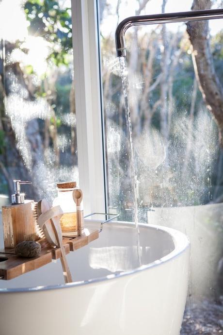 réduire sa consommation d'eau salle de bain - blog déco - clem around the corner