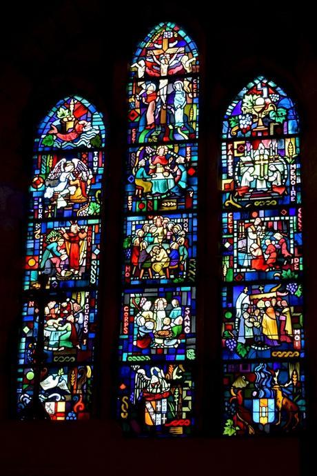 Vitraux de Jacques Grüber, église St Maur à Hattonchâtel © French Moments