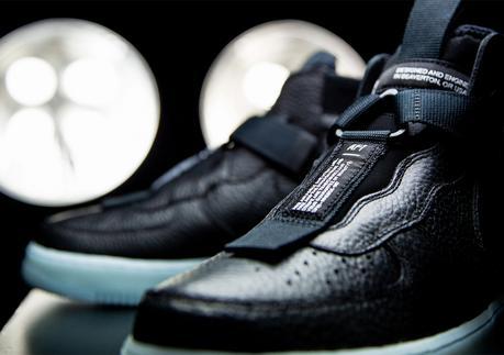 Une Semelle Icy pour la Nike Air Force 1 Mid Utility