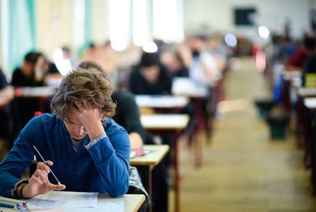 Les examens en France et en Angleterre