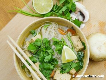 Recette asiatique et bio :Soupe Tom Kha bio végétarienne