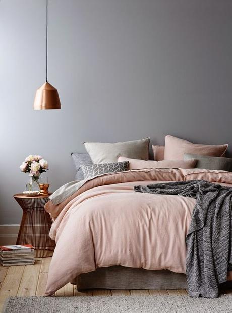 aménagement chambre à coucher feng shui lit double pastel tendance blush -blog déco- clem around the corner