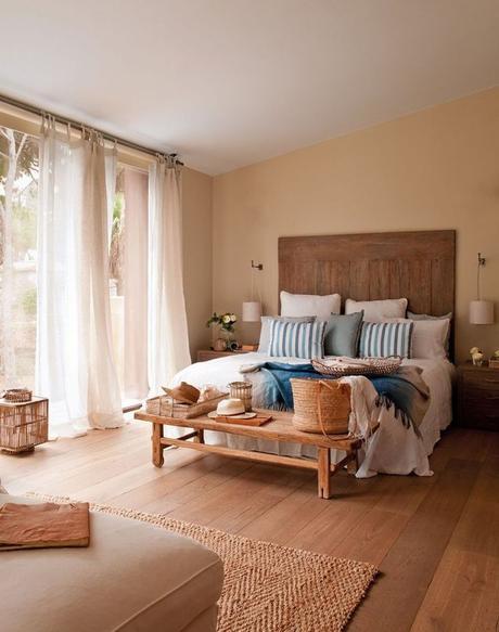 aménagement chambre à coucher feng shui lit boho bohème tête lit bois banc fenêtres - blog déco - clem around the corner
