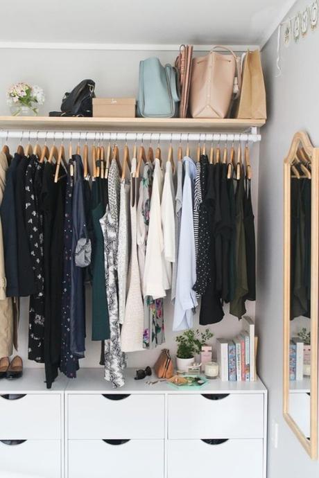 optimiser le rangement dressing ouvert décoration vêtements organisation blog déco clem around the corner