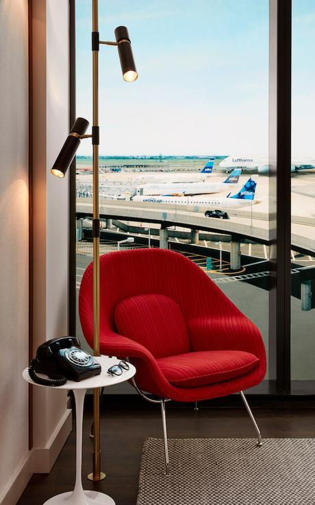 twa-hotel-eero-saarinen-interiors-jfk-airport-new-york-city-usa-david-mitchell_dezeen_2364_col_3