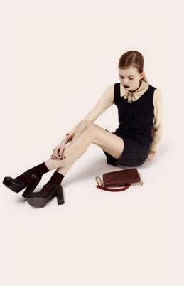 style rétro tenue printemps noir rouge - blog déco - clem around the corner